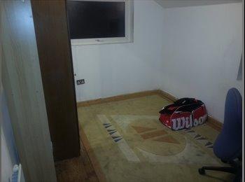 New Cosy Double Room Near Croydon Town Centre, CR0