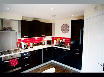 Flat (whole floor) for couple in high spec house