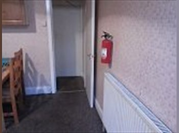 Spacious double room available for rent in LS6