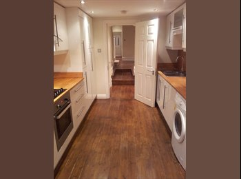 EasyRoommate UK - Double Room Available in East Dulwich - East Dulwich, London - £540