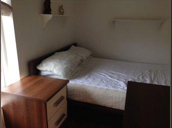 EasyRoommate UK - Double room for rent - Smethwick, Birmingham - £370