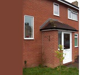 EasyRoommate UK - ROOM IN LENHAM - AVAILABLE NOW - Lenham, Maidstone - £360