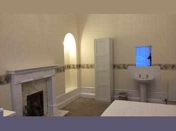 EasyRoommate UK - Serviced house, parking, no bills, free wi-fi - Aberdeen, Aberdeen - £475