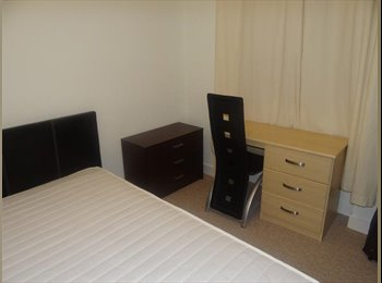EasyRoommate UK - 3 bedroom Flat - located at Froghall Avenue - Old Aberdeen, Aberdeen - £450