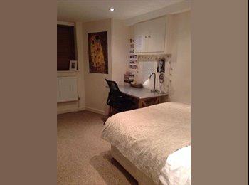 EasyRoommate UK - 5 bedroom house 5 minutes from leeds uni - Hyde Park, Leeds - £380