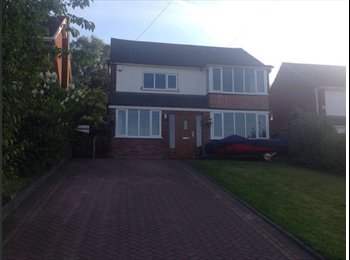 EasyRoommate UK - Spacious double room in large shared house - Ettingshall, Wolverhampton - £370