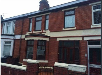 EasyRoommate UK - Newly Refurbished house in the heart of Cardiff - Cardiff Bay, Cardiff - £430