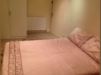 EasyRoommate UK - nice spacious double room - Crystal Palace, London - £500