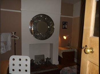 EasyRoommate UK - Good Double Room in lovely Stony Stratford house - Stony Stratford, Milton Keynes - £350