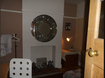 Good Double Room in lovely Stony Stratford house