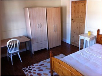 EasyRoommate UK - Amazing double room. All bills included - Reading, Reading - £460