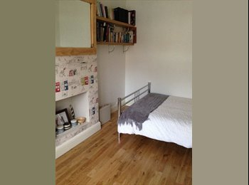 EasyRoommate UK - Double room to rent in family home - Ruislip, London - £625