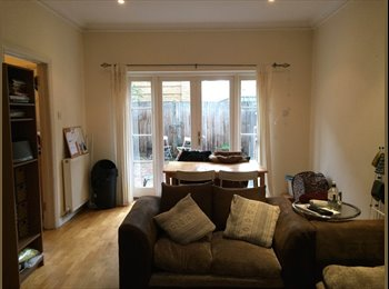 EasyRoommate UK - Small Double Room. Stepney Green. £505pcm - Whitechapel, London - £505