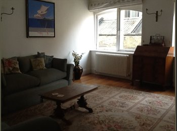 EasyRoommate UK - Lovely double room in quiet cobbled mews - Notting Hill, London - £880
