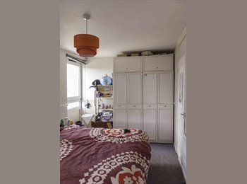 EasyRoommate UK - HUGE bright double room close to Mile End and Bow - Bow, London - £800