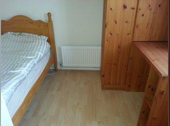 EasyRoommate UK - single room for rent (furnished) - Walcot, Swindon - £280