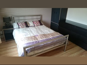 EasyRoommate UK - Single and double rooms available - £300-£400pcm - Ince-in-Makerfield, Wigan - £300