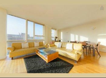EasyRoommate UK - Bright room near Canary Wharf - Canary Wharf, London - £780