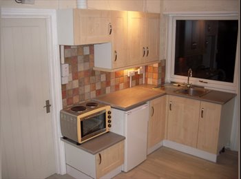 EasyRoommate UK - All bills inclusive Studio Flat - High Wycombe, High Wycombe - £870