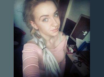 EasyRoommate UK - Lauren - 19 - Newton Abbot