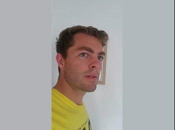 Chris - 36 - Professional