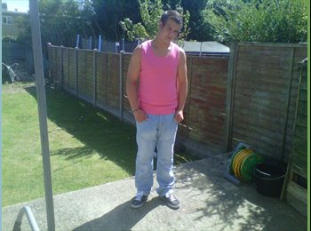 EasyRoommate UK - jamie - 20 - Stevenage