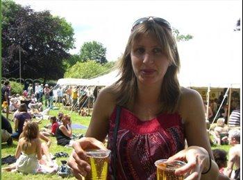 EasyRoommate UK - Debbie - 34 - Totnes