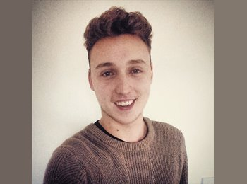 EasyRoommate UK - Andrew - 21 - London