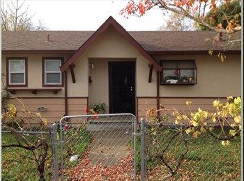 EasyRoommate US - $600 room in four bedroom house (santa rosa) - Santa Rosa, Northern California - $600