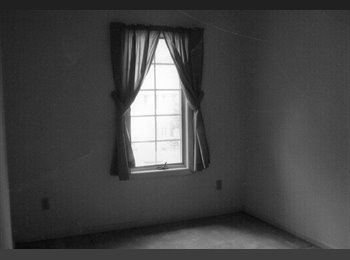 3 bedroom/2.5 bath house for rent, newark