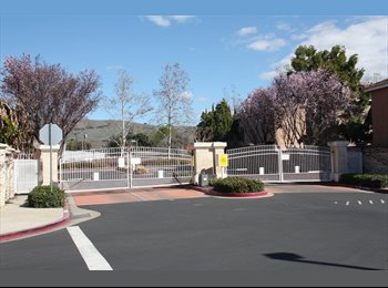 EasyRoommate US - ROOM FOR RENT ON A GATED COMMUNITY FOR PINAY - Union City, San Jose Area - $700