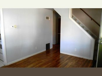 nice room in nice house in madison heights
