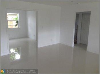 EasyRoommate US - Louis  - Hollywood, Ft Lauderdale Area - $570