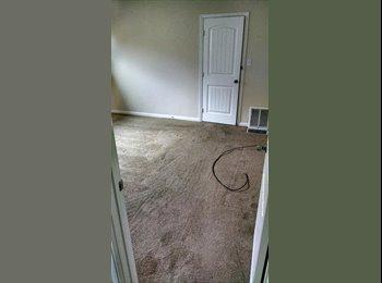 EasyRoommate US - Master Bedrrom, private Bathroom/ Walk-in Closet - Ontario, Southeast California - $900