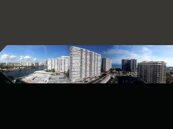 EasyRoommate US - Available now - Hollywood, Ft Lauderdale Area - $1075