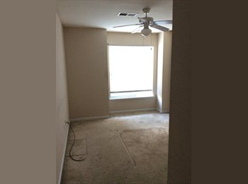 Downtown 2bedroom/2bath to share