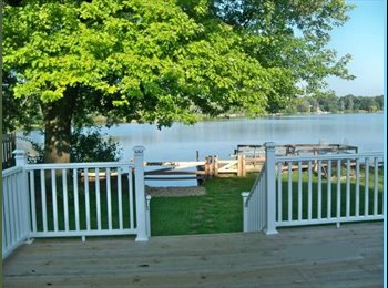 EasyRoommate US - LAKEFRONT bed/bthrm (furnished) & share lake house - Waukegan, Other-Illinois - $750