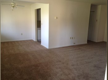 EasyRoommate US - Lovely 1 bedroom 10 mins from Springfield downtown - Springfield, Springfield - $980