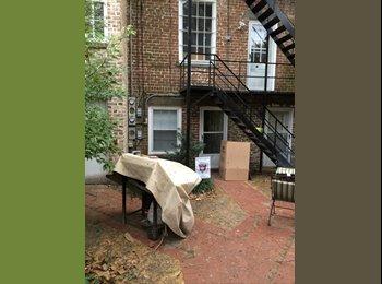 EasyRoommate US - Town home room for rent - Savannah, Savannah - $1100