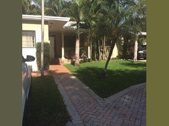EasyRoommate US - Roommate needed - El Portal, Miami - $800