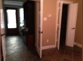 EasyRoommate US - Two Roommates Needed for Rice Military Townhouse - Washington Ave-Memorial Park, Houston - $900