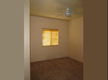 EasyRoommate US - $500 Room w/ PRIVATE BATH! Utilities included!! - Tucson, Tucson - $500
