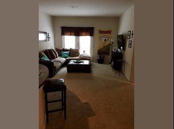 EasyRoommate US - Roommate Needed in Uptown Dallas - McKinney Ave, Dallas - $815