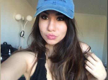Christel - 18 - Student