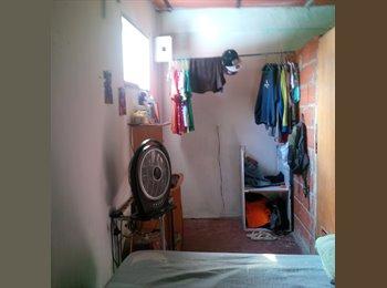CompartoApto VE - Habitación pequeña en Caracas, casa humilde. - Libertador, Caracas - BsF3000