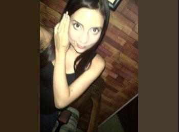 Ana - 22 - Estudiante