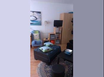 EasyWG AT - Pärchen-START-Wohnung mit Wellness-Bad & Garten - Ebelsberg, Linz - €256