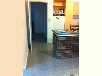 EasyRoommate AU -  Kingsize room in Clean and quiet home - Rockdale, Sydney - $225