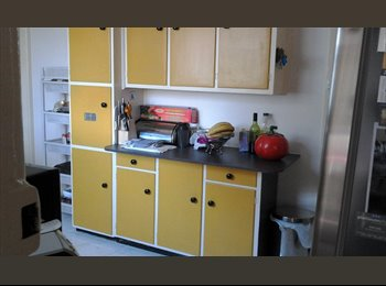 EasyRoommate AU - A bedroom in 2 bedrooms house on Bayside - Aspendale, Melbourne - $150