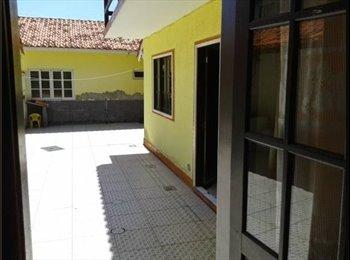 EasyQuarto BR - Venha morar no sul da ilha a 30 metros da praia - Outros, Florianópolis - R$650
